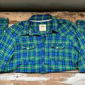 Hollister plaid button up long sleeve shirt